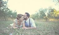 Vestidos de noiva incríveis, decoração, casamentos reais e muita inspiração no nosso Instagram.
