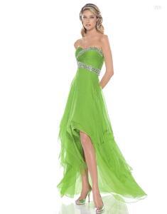 Pronovias Cóctel 2010 - Arco, vestido largo asímetrico verde, de talle alto, pedrería en el busto, escote strapless corazón