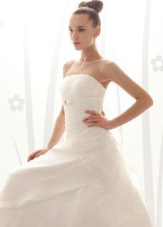 Aire Collection 2010 - Yohan, vestido largo en seda, de corte princesa, cuerpo plisado, escote palabra de honor