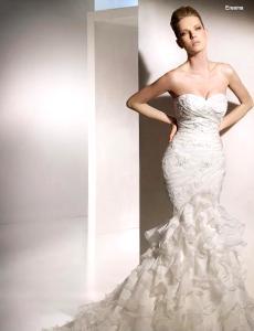 San Patrick 2010 - Eresma, vestido largo en seda paillettada y tul, de corte sirena, escote palabra de honor, falda de volantes