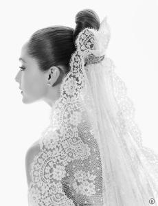 А Вы когда-нибудь думали, почему невесты стараются скрыть за прозрачной фатой момент поцелуя?Все просто...